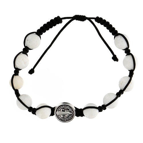 Bracelet corde 10 perles pierre polie médaille Medjugorje 1