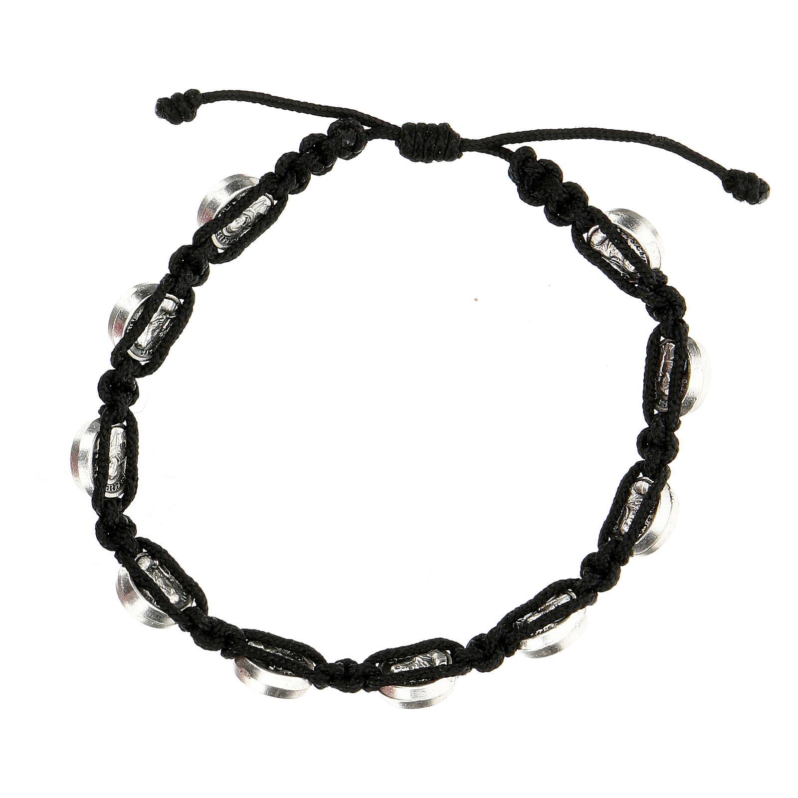 Bracelet Medjugorje médailles St François Ste Claire corde noire 4