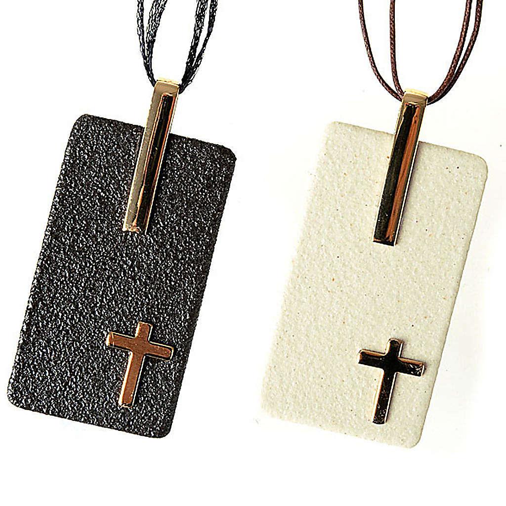 Pendentif en grés cérame avec croix 4