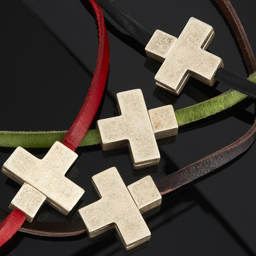 Religious necklace in leather with cross 3