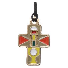 Collier croix métal émail jaune taupe orange 3 cm s1