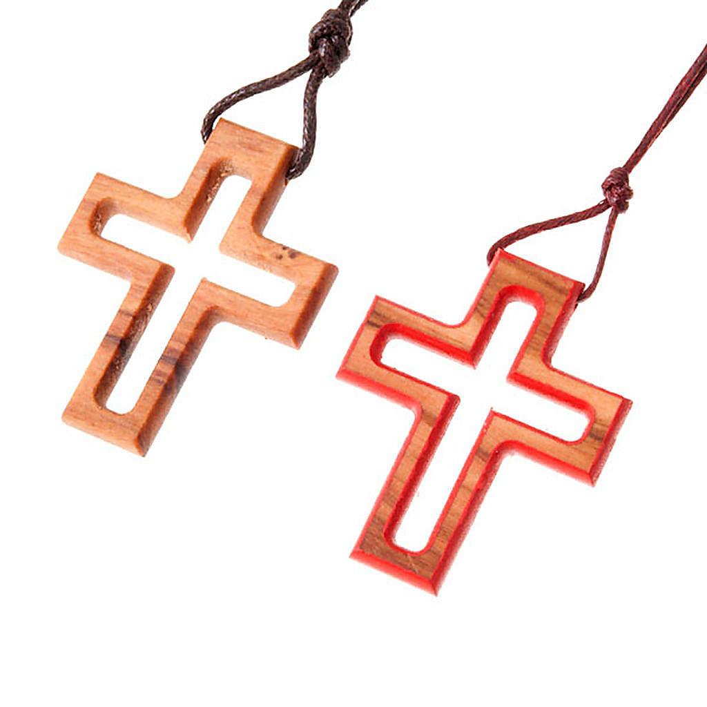 croix classique perforée 4