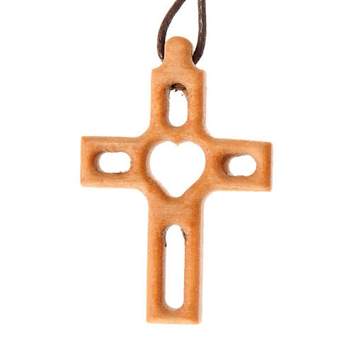 Crucifix perforée, coeur 1
