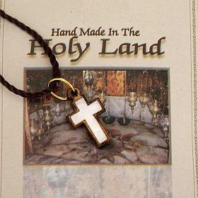 Pendentif croix bois Terre sainte avec nacre s2
