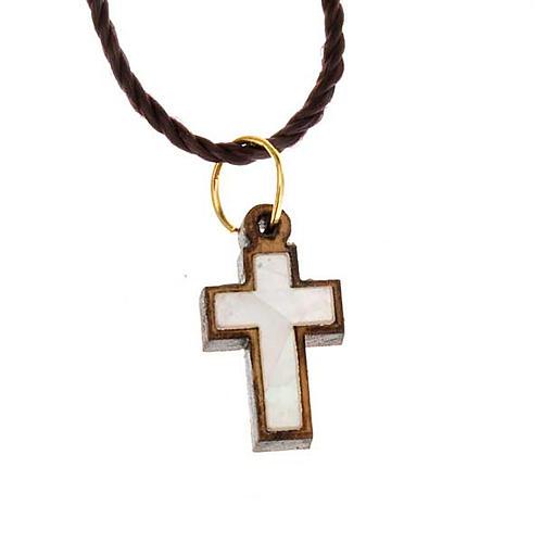 Pendentif croix bois Terre sainte avec nacre 1