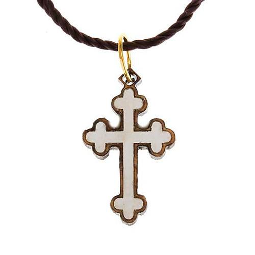 Wisiorek krzyż drewno Ziemia święta z masą perłową 1