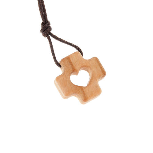 Greek cross pendant in olive wood and heart 1
