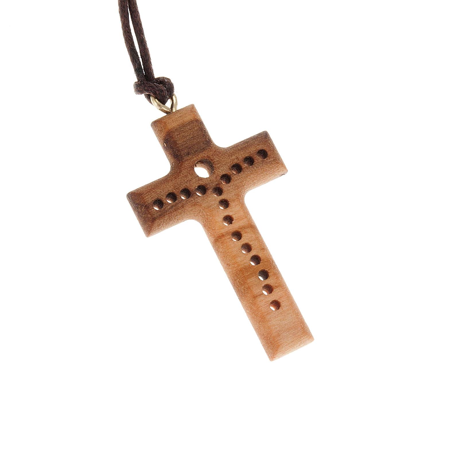 Croce legno olivo bucherellata 4