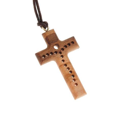 Croce legno olivo bucherellata 1