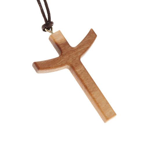 Krzyż drewno oliwkowe z ramionami skierowanymi w górę 1
