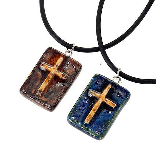 Pendentif céramique rectangulaire avec croix 1