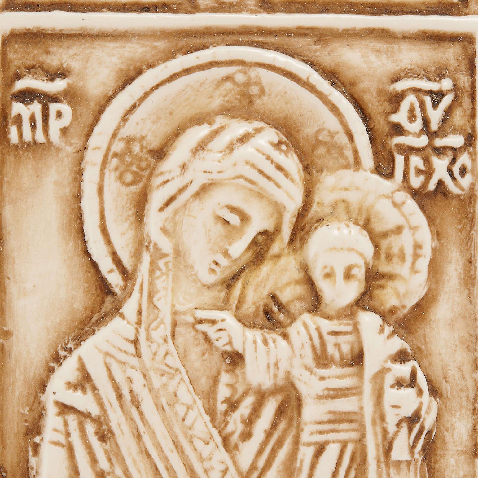 Medalla de piedra de la Virgen con el Niño Belén 4