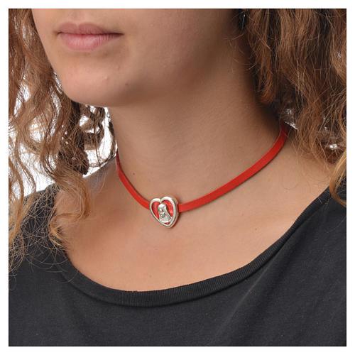 Gargantilha couro vermelho placa Virgem 3