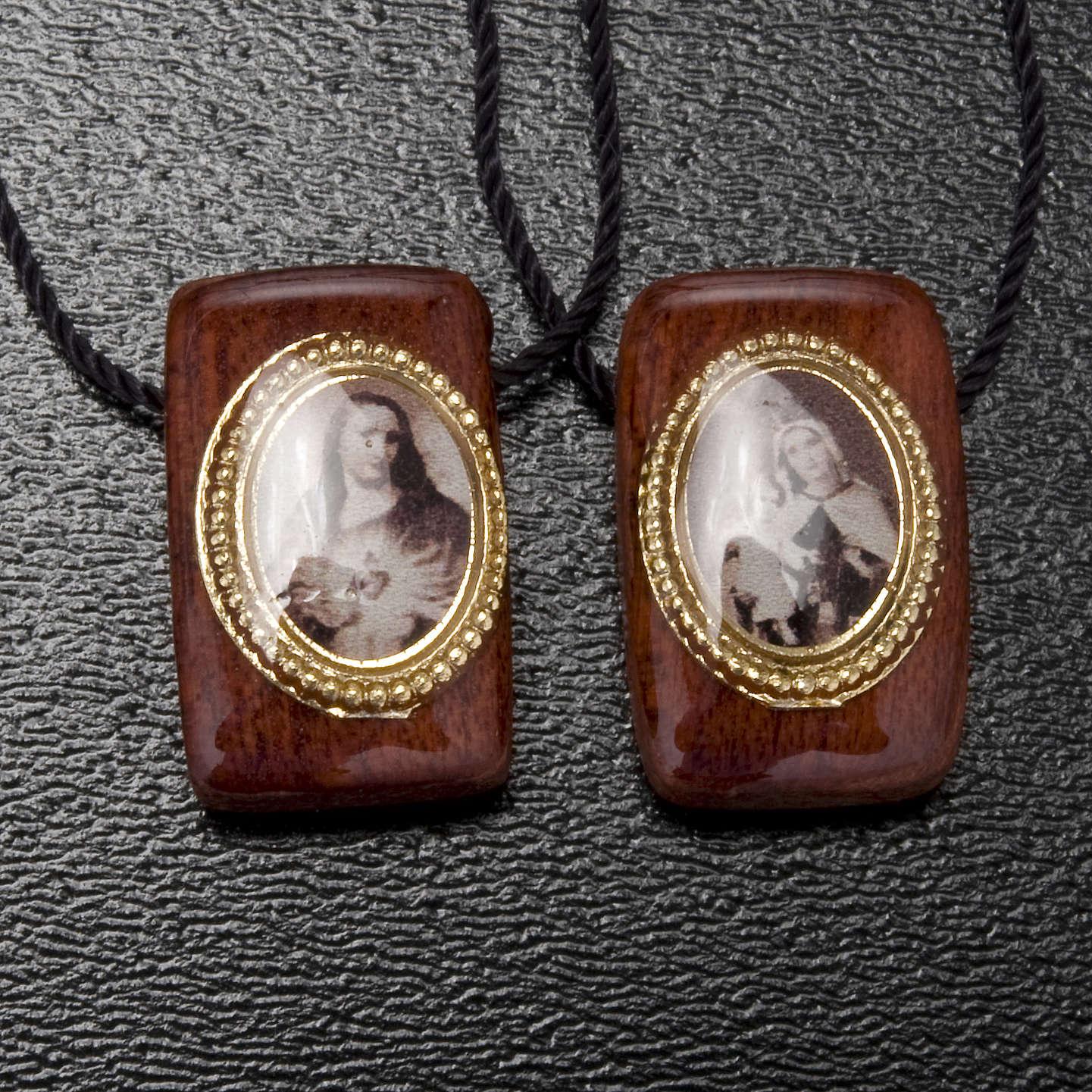 Scapolare legno marrone con medaglie 4
