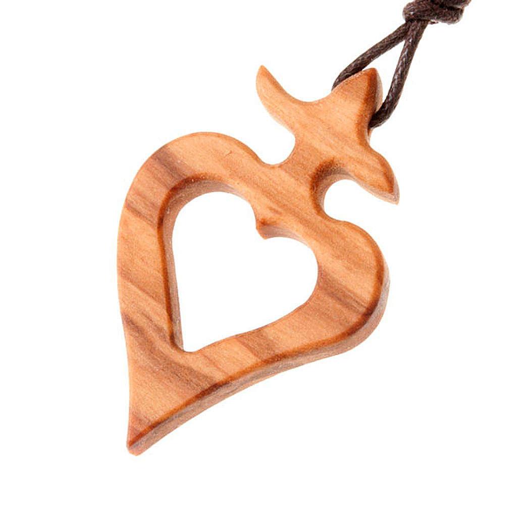 Wisiorek serce z krzyżem z drewna oliwnego 4