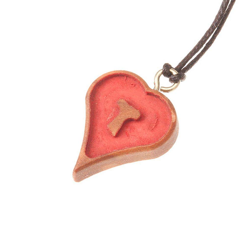 Pendant heart shaped engraved tau 4