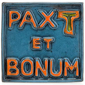 Pax et Bonum small ceramic basrelief s4