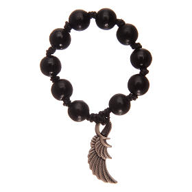 Single decade rosary with black wooden grains and angel's wing s1