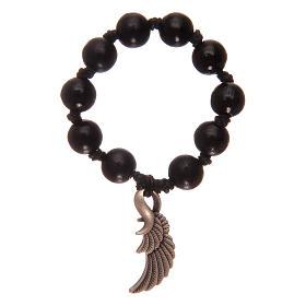 Rosario decena con cuentas de madera negra con ala de ángel s2