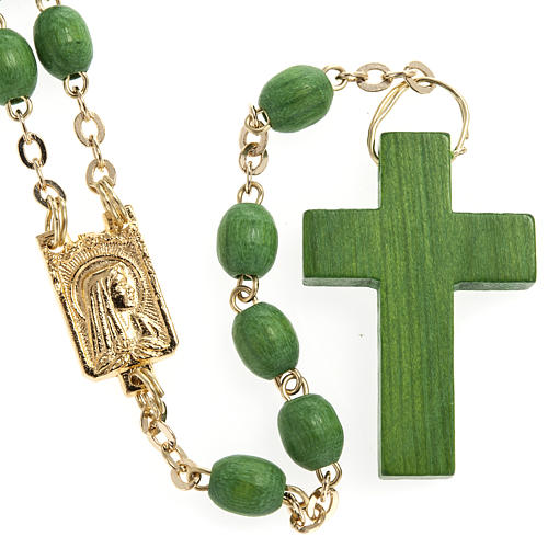 Rosary beads in green wood with golden clasp 1