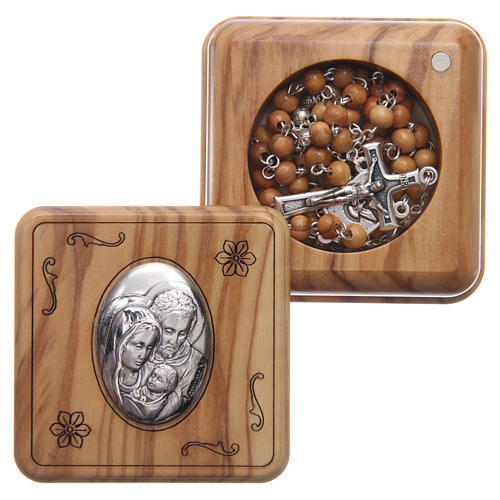Square case in olive wood with wooden rosary 5 mm 1