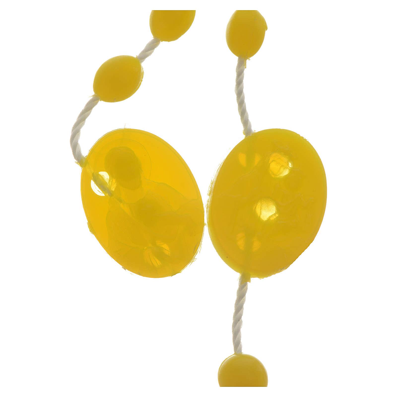 Rosario nailon amarillo medalla abre y cierra 4