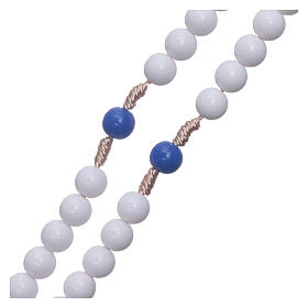 Rosario plástico cuentas blancas y padrenuestros azul 7,5 mm cuerda de seda s3