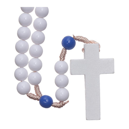 Rosario plástico cuentas blancas y padrenuestros azul 7,5 mm cuerda de seda 2