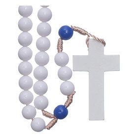 Rosario in plastica grani bianchi e pater blu 7,5 mm legatura seta s1