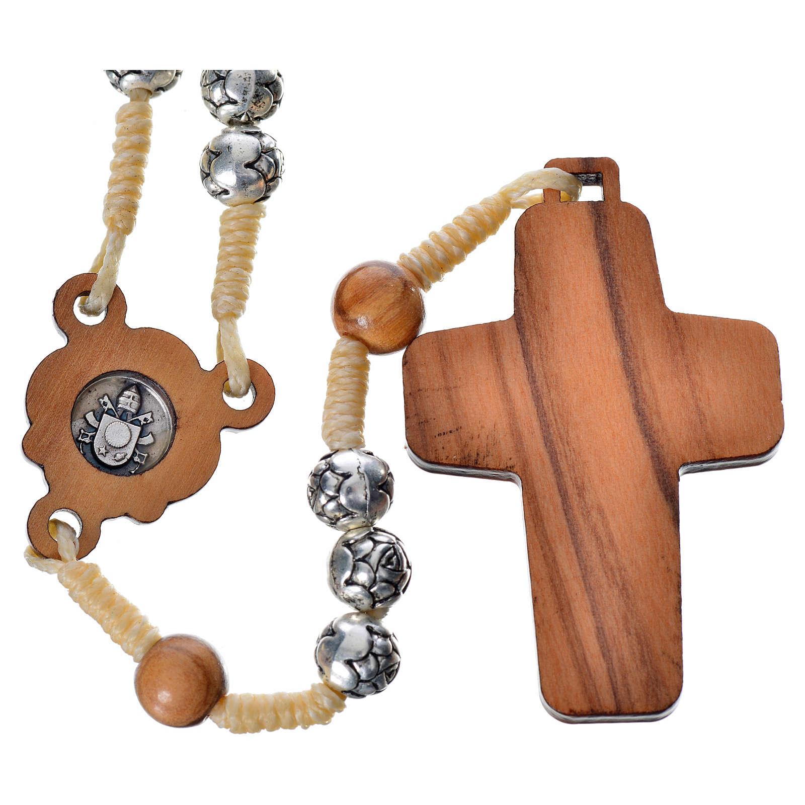 Chapelet en bois naturel et métal Pape François 4