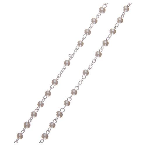 Rosario símil perla 2 mm con caja en forma de flor 3