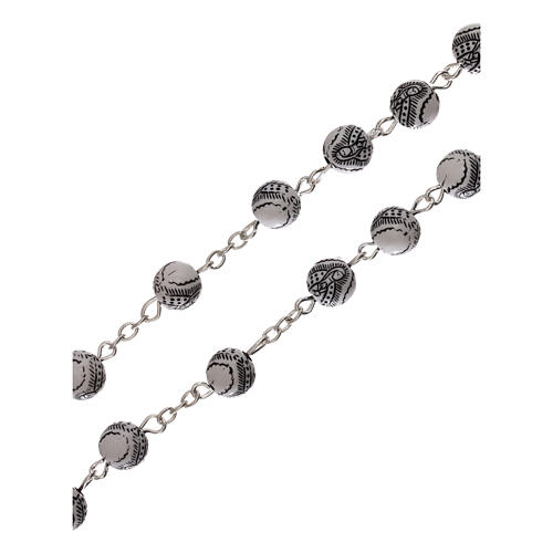 Rosario perla bianca con disegno nero Madonna plastica 5 mm 3