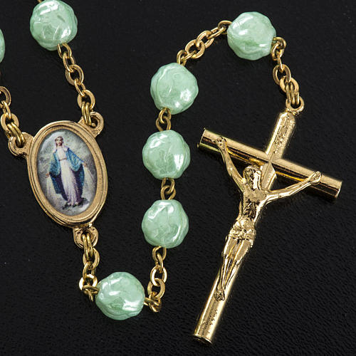 Rosary in glass with roses, green 6mm 3
