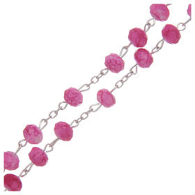 Rosario con grani in vetro sfaccettato di colore rosa s3