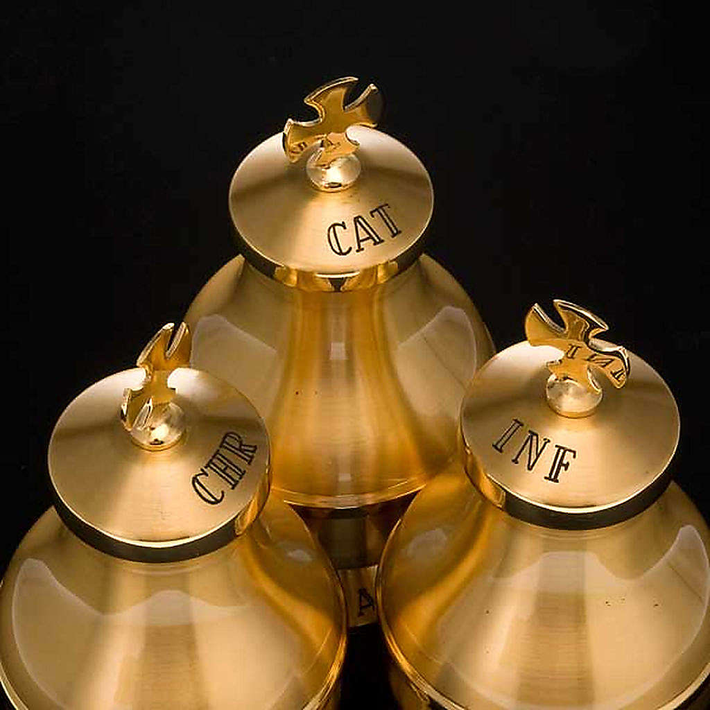 Holy oils: gold-plated vessels 3