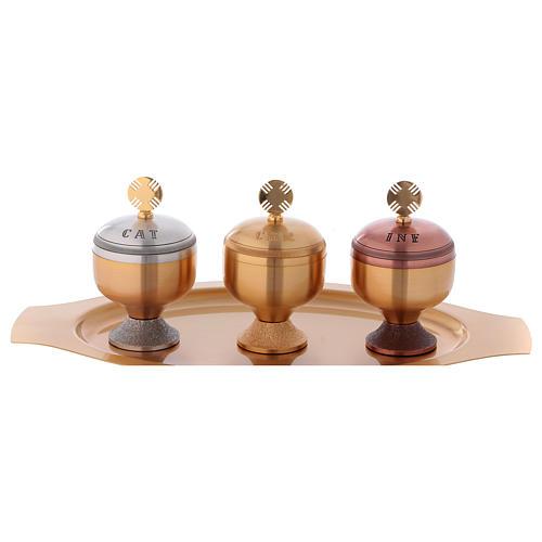 Oli santi: servizio tre vasetti satinati e piattino 1
