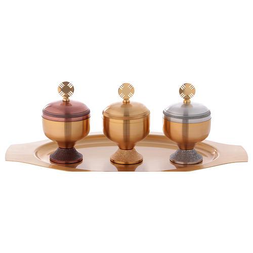 Oli santi: servizio tre vasetti satinati e piattino 4
