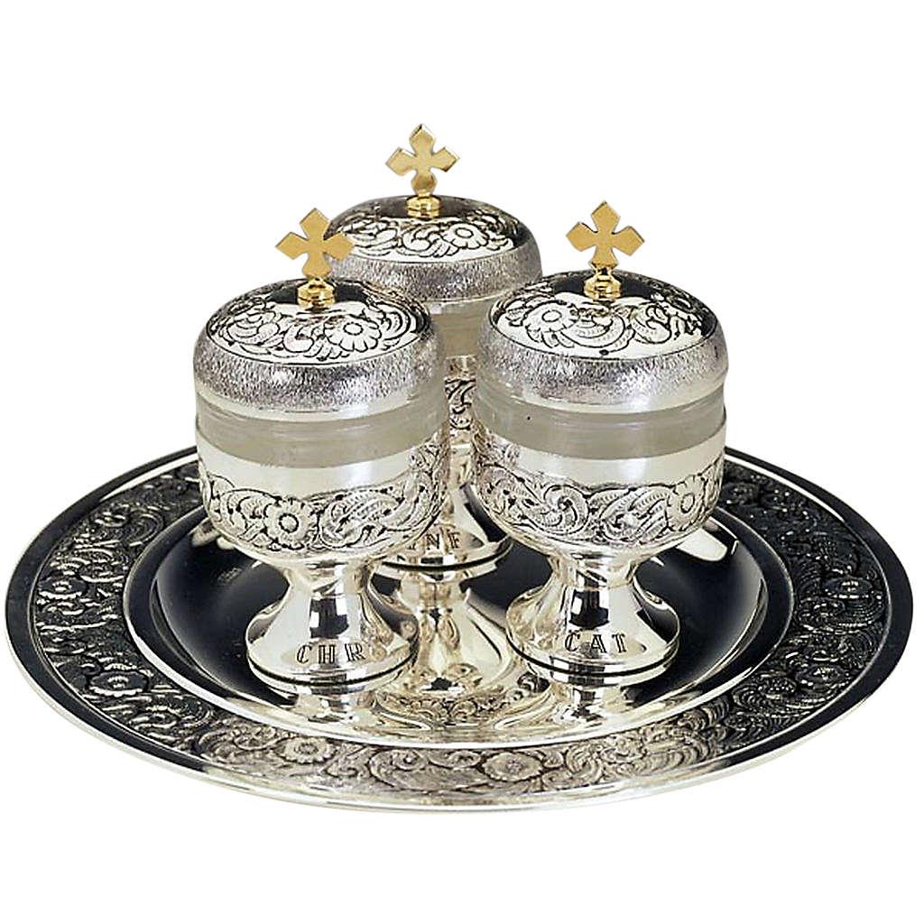 Saintes huiles: trois ampoules ciselée 3
