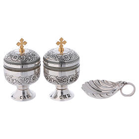 Holy oils: baptism set with two vases and a shell s3