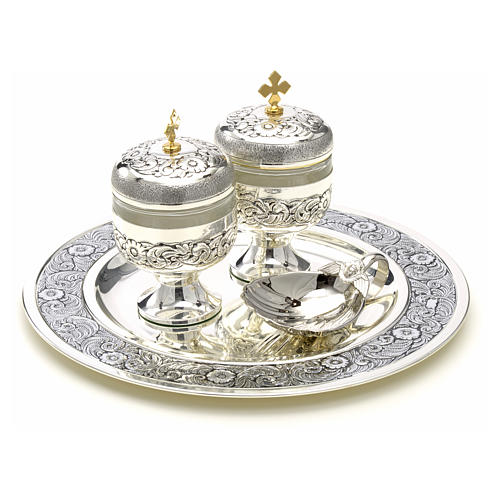 Holy oils: baptism set with two vases and a shell 4