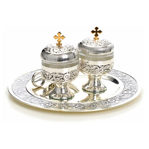 Holy oils: baptism set with two vases and a shell 10