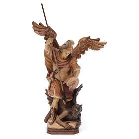 Imágenes de madera natural: San Miguel Arcángel de madera, acabado con diferentes matices de marrón
