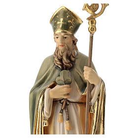 Statue de Saint Patrick en bois peint trèfle et manteau vert s2