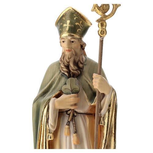 Statue de Saint Patrick en bois peint trèfle et manteau vert 2