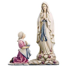 Estatua de la Virgen de Lourdes con Bernadette de madera pintada de la Val Gardena
