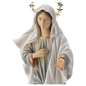 Statua Madonna di Medjugorje con chiesa e raggiera legno dipinto Val Gardena s2