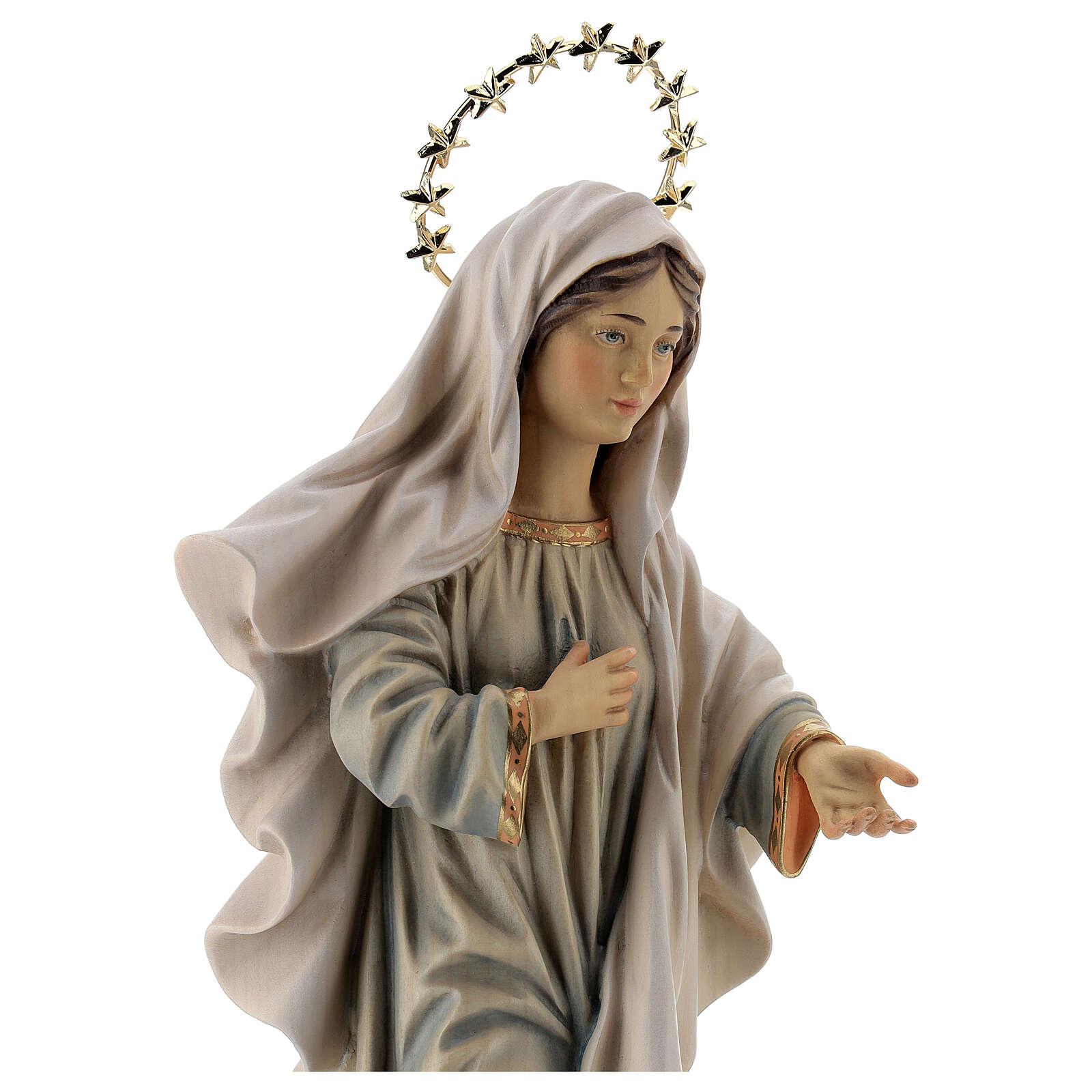 Statue Notre-Dame Reine de la Paix avec église et auréole bois peint Val Gardena 4