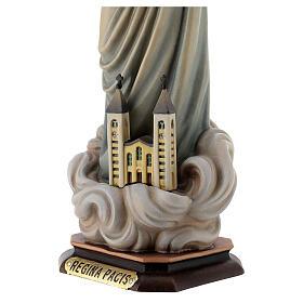 Statue Notre-Dame Reine de la Paix avec église et auréole bois peint Val Gardena s4