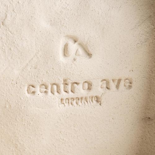 Estatua para colgar en la pared arcilla blanca Virgen de la Acogida 33cm 7
