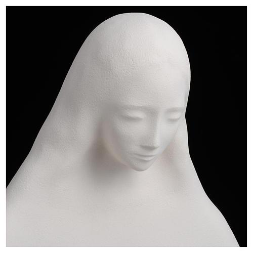 Imagem para pendurar na parede argila brnca Nossa Senhora do Acolhimento 50 cm argila 10